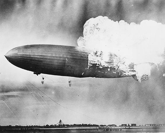 Explosión del zeppelin Hindenburg