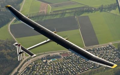 El primer Avión propulsado con Energía Solar dará la vuelta al Mundo