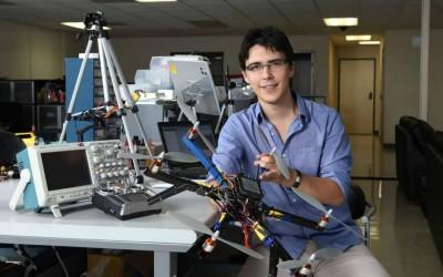 Un Joven Mexicano de 27 años Millonario tras Fundar su Empresa de Drones